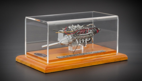 Maserati Tipo 61 Birdcage Tipo 61 Motor inklusive Vitrine